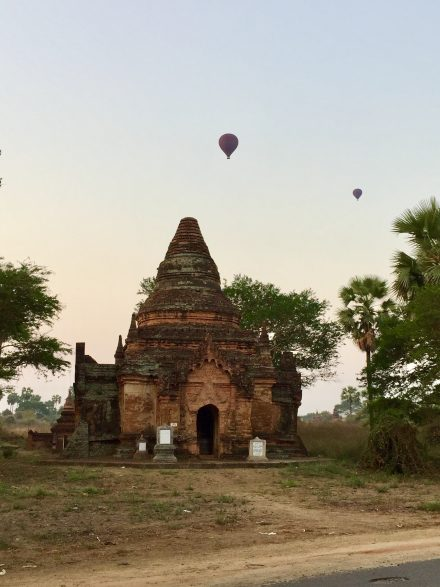 circuit-sejour-voyage-birmanie-bagan survol mongolfiere