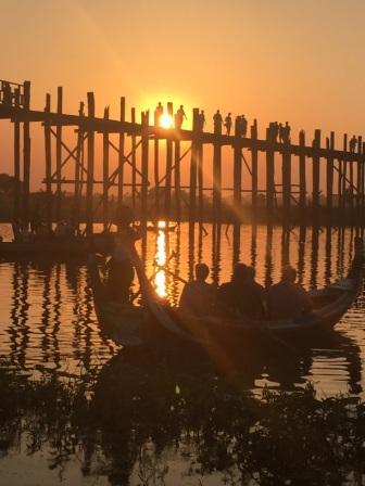 voyage-birmanie-coucher-de-soleil