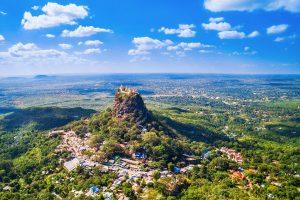 le mont Popa - sejour en Birmanie